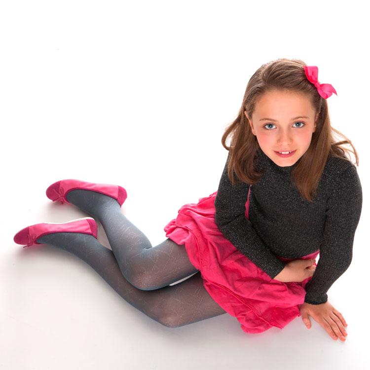 girls in stockings: